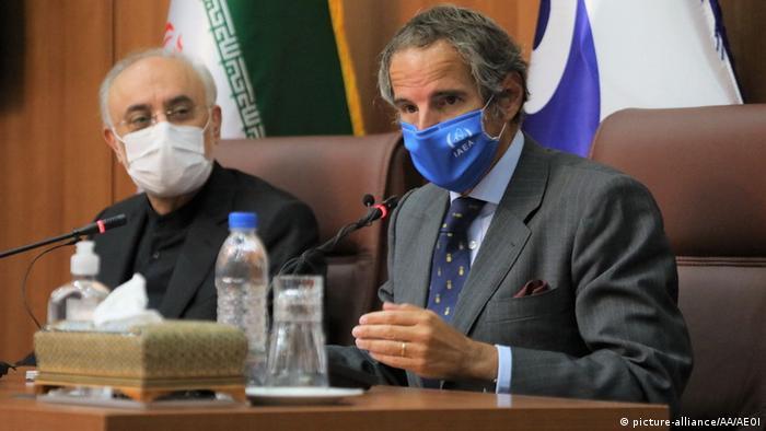 رافائل گروسی و مذاکره با علی اکبر صالحی، رئیس سازمان انرژی اتمی ایران، تهران ۲۵ اوت ۲۰۲۰