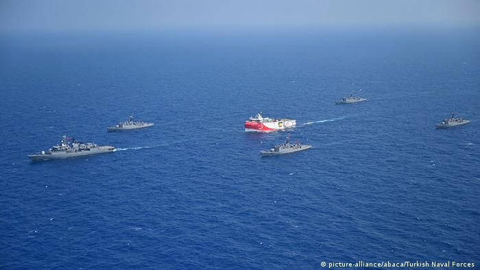 Eskortiert von der türkischen Marine: Das Erkundungsschiff Oruc Reis vor zwei Wochen im Mittelmeer
