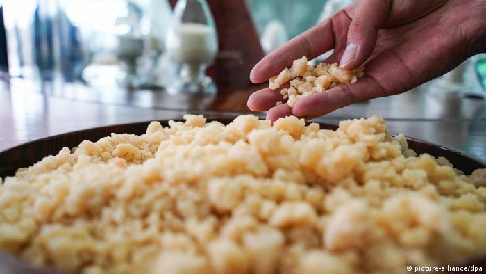 Ghee gereinigte Butter Produkt Gesundheit Nahrungsmittel Fett (picture-alliance/dpa)