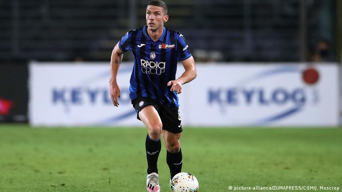 Robin Gosens in action for Atalanta
