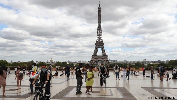 Coronavirus - Frankreich: Blick auf den Eiffelturm