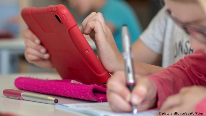 Utilizarea tehnologiilor noi în școală