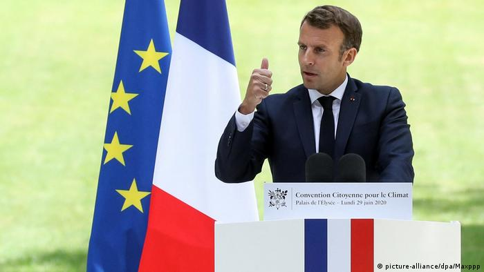 FrenchPresidentEmmanuel delivers aspeechduringameetingwithmembersoftheCitizens Convention on Climate