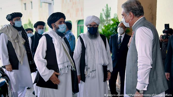 Pakistan Islamabad Taliban-Delegation trifft Außenminister Shah Mahmood Qureshi