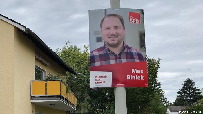 Election posters on lampposts in Bonn (DW/E. Douglas)