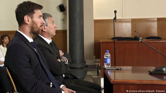 Fußballspieler Lionel Messi vor Gericht in Barcelona (picture-alliance/dpa/A. Estevez)
