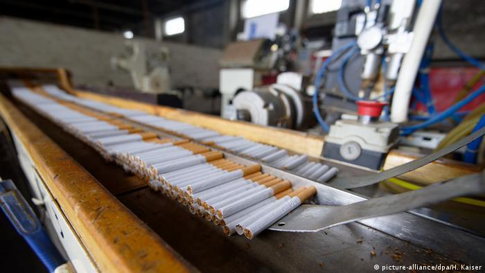 Polacy skazani za nielegalną produkcję papierosów w Niemczech
