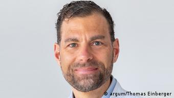 Профессор клинической токсикологии Технического университета Мюнхена Флориан Айер