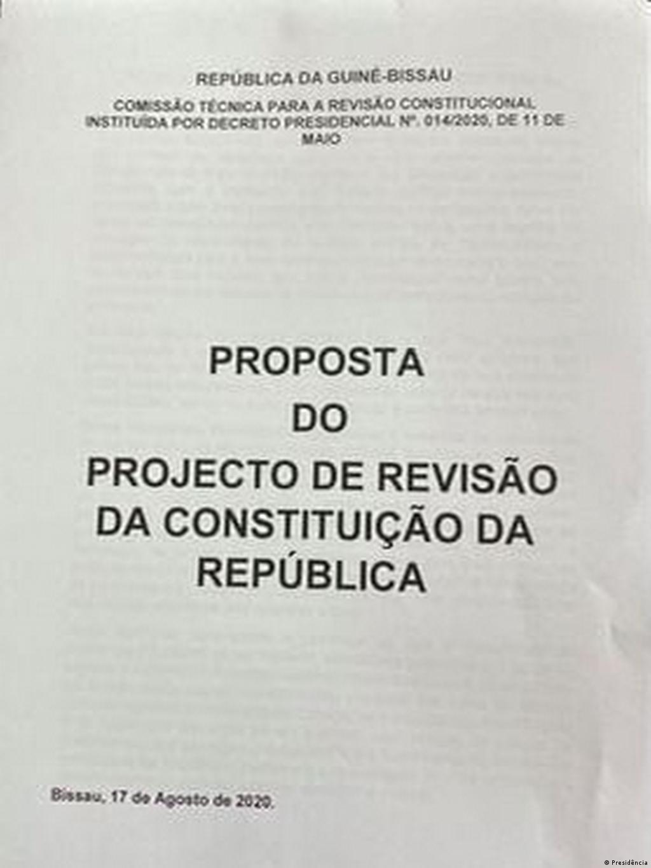 Sissoco diz que revisão da Constituição que pediu é a que será aplicada    Guiné-Bissau   DW   26.08.2020