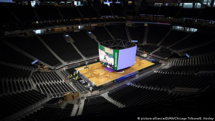 USA Wisconsin | James Blake: NBA verschiebt Playoff Spiel