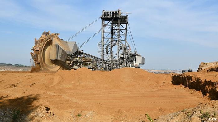 Німецькі села села під загрозою зникнення через видобуток вугілля (DW)