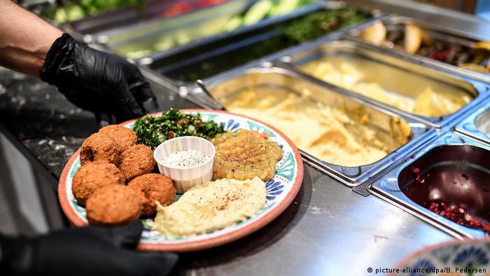 مطعم عربي يقذم أطباقا سورية في برلين 10.08.2020