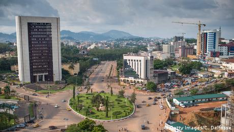 Afrika Kamerun Landschaft Stadt Übersicht Panorama