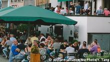 Köln Gäste im Biergarten