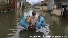Pakistan Karatschi Überflutungen nach Monsunregen