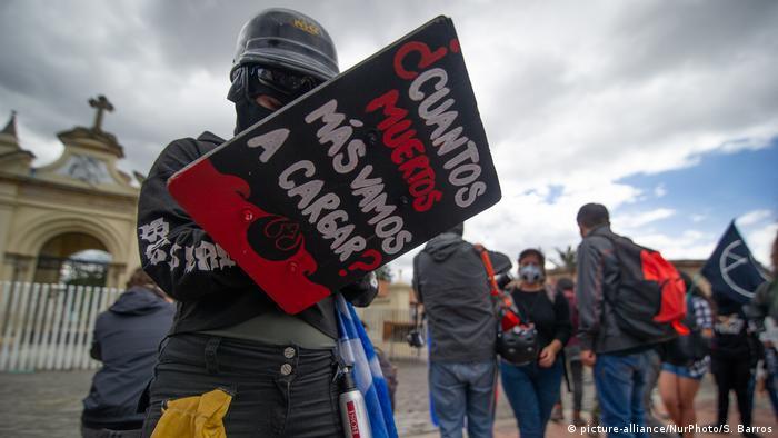 Colombia, Bogotá: protesta contra el asesinato de líderes sociales.