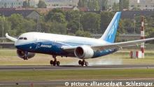 Deutschland Berlin Boeing 787 Dreamliner
