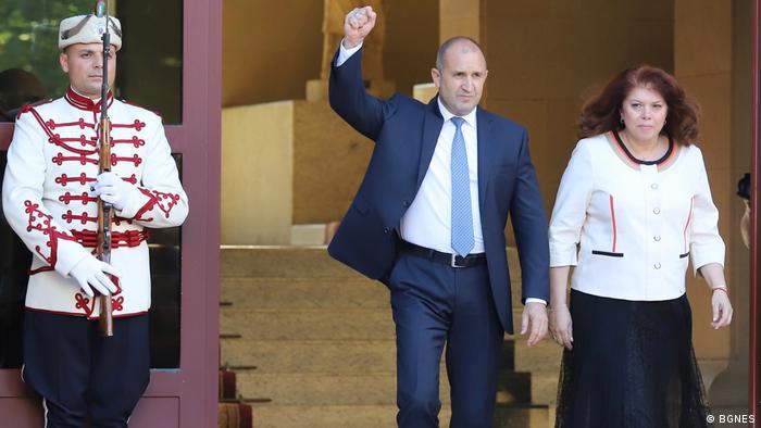 Радев призна, че нови парламентарни избори едновременнос президентските биха затруднили кампанията му