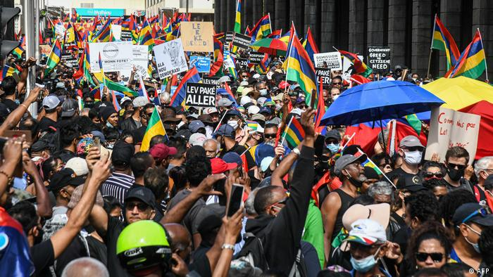 People protest in Mauritius over government response to the oil spill