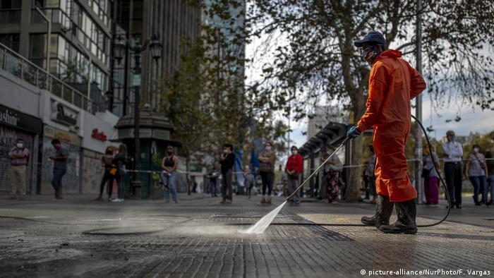 El virus sigue retrocediendo en la zona central de Chile, especialmente en la capital, donde se ha retomado cierta normalidad, aunque aún preocupan algunas zonas del norte y sur