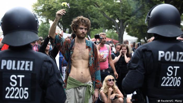 Deutschland Berlin Protest gegen Corona-Maßnahmen am 28.8.2020 (Reuters/C. Mang)