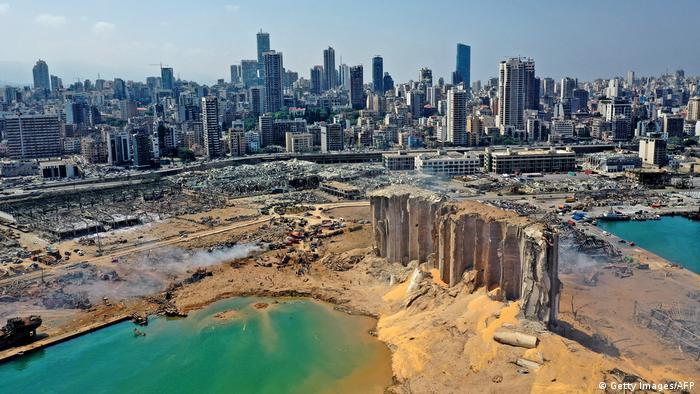Разрушения в порту Бейрута после взрыва