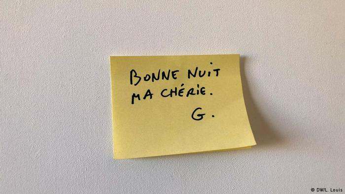 A post-it on a wall
