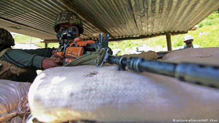 Indien Kaschmir Soldaten an der Grenze zu China (picture-alliance/AA/F. Khan)
