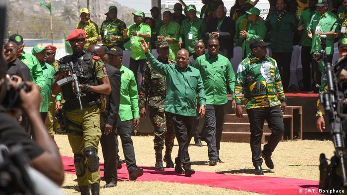 Rais John Magufuli akiwasili katika uwanja wa Jamhuri Dodoma, katika uzinduzi wa kampeni ya chama tawala 29.08.2020