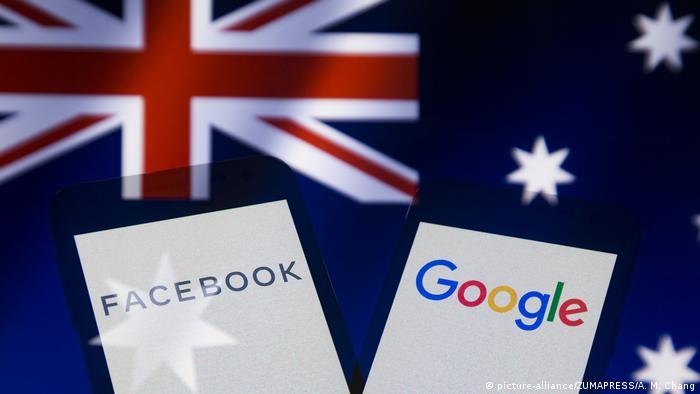 Logos von Facebook, Google und Flagge von Australien