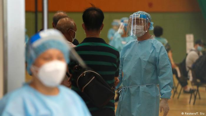 Hongkong Coronatest (Reuters/T. Siu)