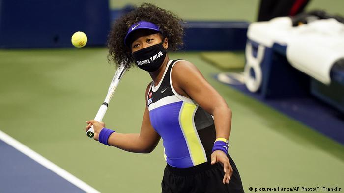 US Open  Naomi Osaka, Japan  Gedenken Breonna Taylor, Maske & Protest gegen Rassismus (picture-alliance/AP Photo/F. Franklin)