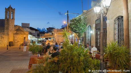 Ανοίγει και στην Κύπρο διασκέδαση και τουρισμός