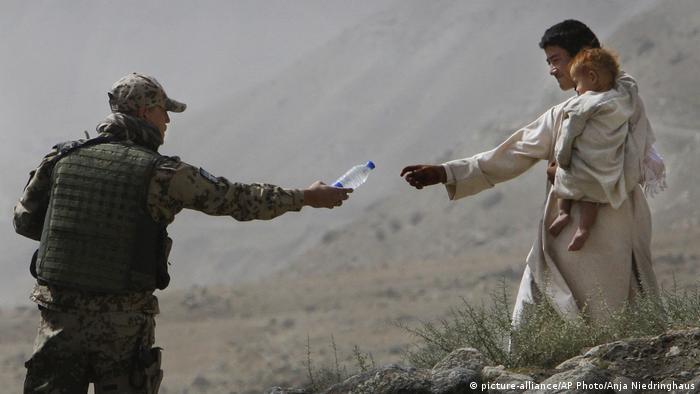 Vojnik Bundesvera u planinama na severu Avganistana (arhiva iz 2008.)