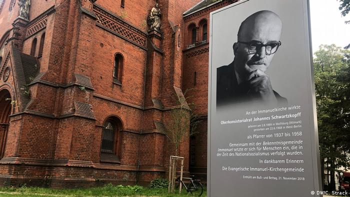 Johannes Schwartzkopf commemoration plaque outside Immanuelkirche Berlin