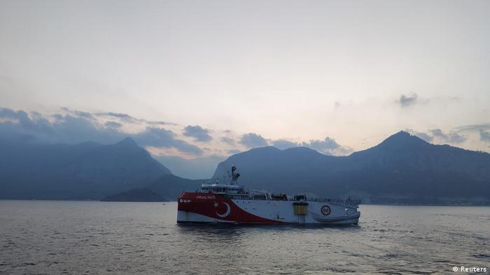 Türkei Das seismisches Forschungsschiff Oruc Reis bei Antalya