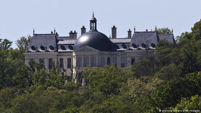 Istana Raja Louis XIV milik Pangeran Mohammed bin Salman