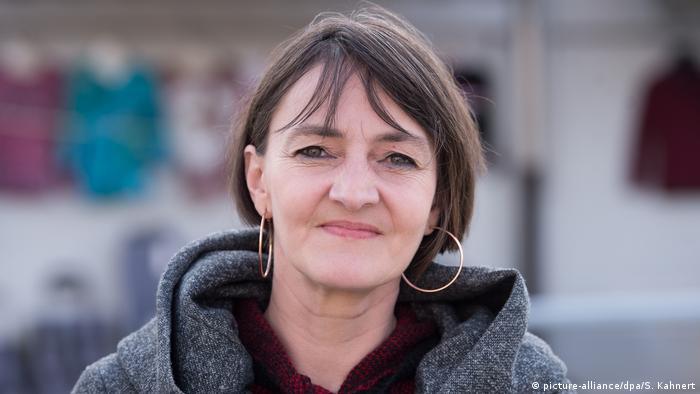 Deutschland Die Flüchtlingshelferin Steffi Brachtel in Freital (picture-alliance/dpa/S. Kahnert)