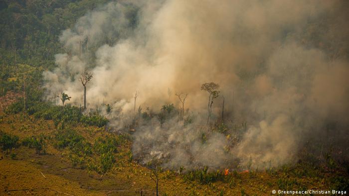 Fogo em Apuí, no sul do Amazônia