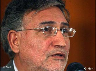 محمد نوریزاد، نویسنده و فیلمساز و از پیروان پیشین آیتالله خامنهای، از ۵ ماه پیش در زندان در زندان بسر میبرد