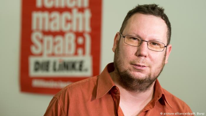 Deutschland Mutmaßlicher Anschlag auf Auto von Politiker Michael Richter aus dem Freitaler Stadtrat (picture-alliance/dpa/A. Burgi)