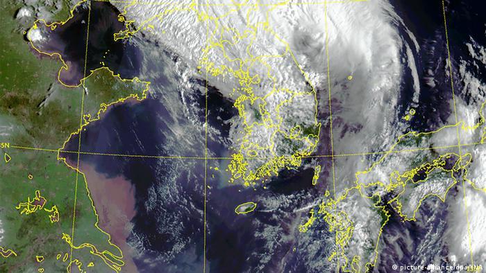 Topan Maysak melanda semenanjung Korea pada 3 September 2020.