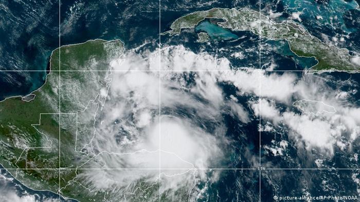 Belize Sturm Nana (picture-alliance/AP Photo/NOAA)