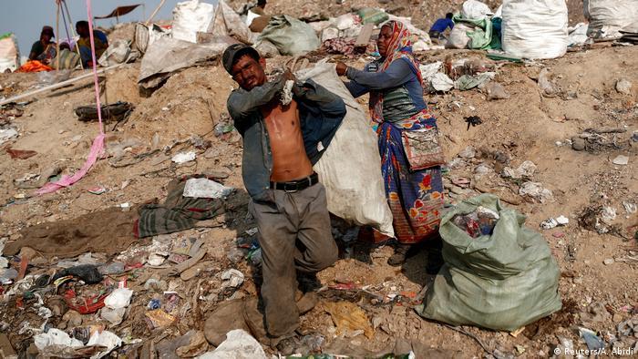 Indien Müllsammler in Corona Zeiten (Reuters/A. Abidi)