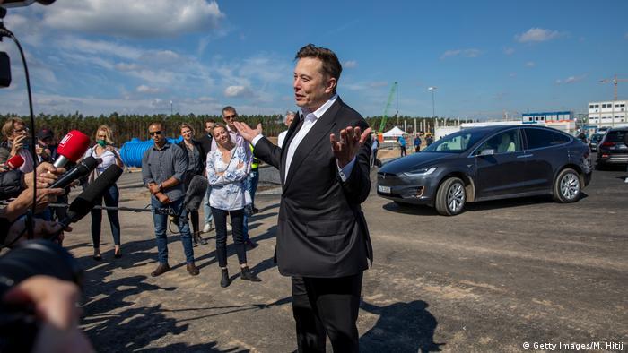 Ambisi Elon Musk Di Jerman Dari Tesla Gigafactory Sampai Produksi Vaksin Corona Dunia Informasi Terkini Dari Berbagai Penjuru Dunia Dw 04 09 2020