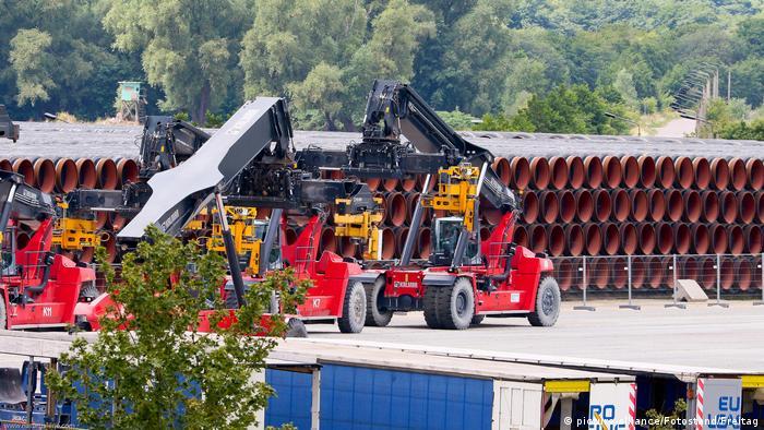 Deutschland Mukran | Rohre für Nord Stream 2 Pipeline (picture-alliance/Fotostand/Freitag)