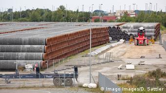Трубы для оставшейся недостроенной части Северного потока - 2 в немецком порту Мукран