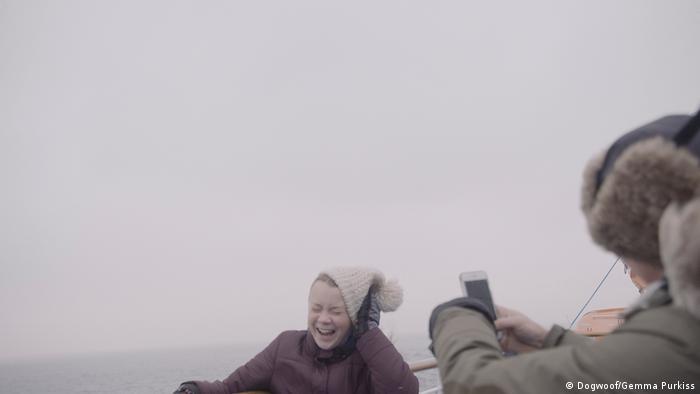 Filmszene auf dem Schiff in dem Dokumentarfilm I am Greta