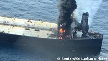 Sri Lanka Öltanker geht nach Explosion in Flammen auf