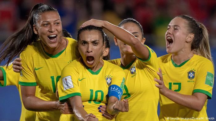 Marta celebra gol na Copa do Mundo de Futebol Feminino, em junho de 2018